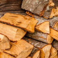 Die verschiedenen Brennstoffe für Ihren Kaminofen